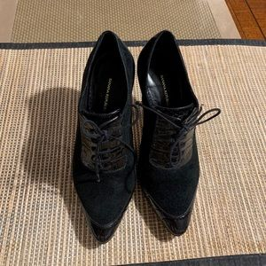 BANANA REPUBLIC - Black  Lace-Up Ankle Booties !